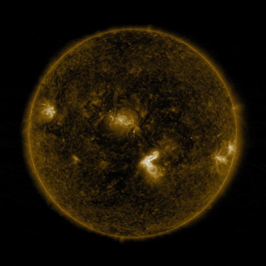 მზეზე ათწლეულის უძლიერესი ამოფრქვევა მოხდა - დედამიწის კომუნიკაციები საფრთხეშია