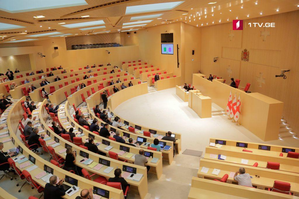 Национальная комиссия по коммуникациям и Общественный вещатель будут обязаны содействовать медиаграмотности
