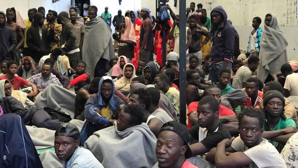 CNN - ლიბიაში არალეგალ მიგრანტებს აუქციონზე მონებად ყიდიან