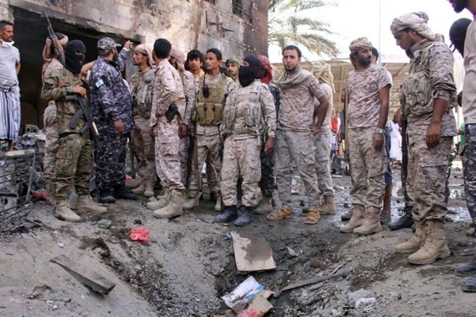 იემენის ქალაქ ადენში თვითმკვლელი ტერორისტების თავდასხმას სულ მცირე ექვსი ადამიანი ემსხვერპლა