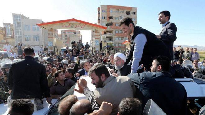 მიწისძვრისას დაზარალებული ირანელები შველას ითხოვენ