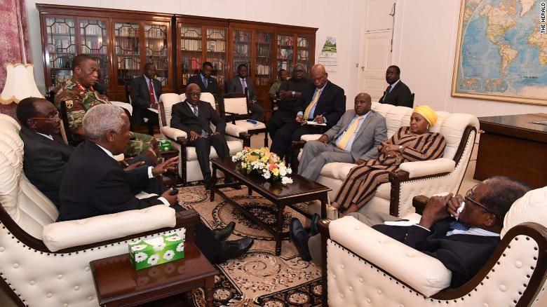 ზიმბაბვეს პრეზიდენტმა თავდაცვის ძალების მეთაურთან მოლაპარაკებები გამართა
