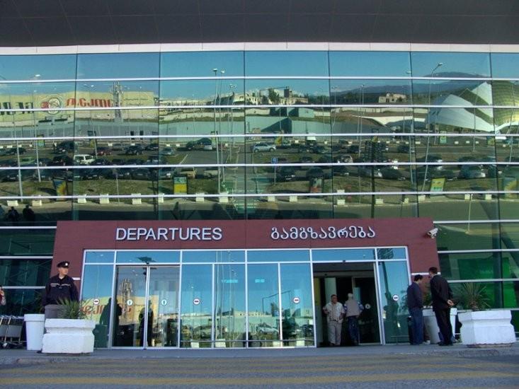 თბილისის აეროპორტში ასაფეთქებელ მოწყობილობას ეძებენ