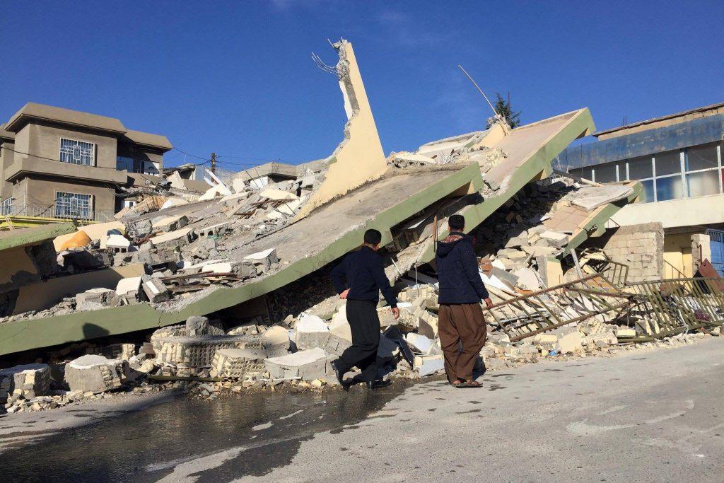 Землетрясение на границе Ирана и Ирака – количество жертв превысило 370 (фото)