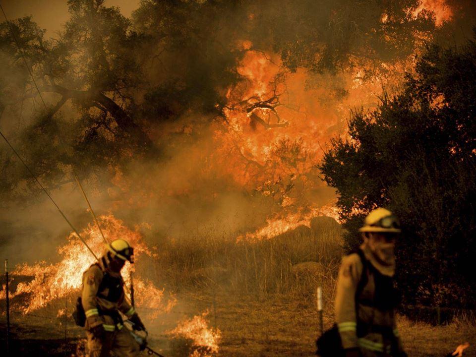 სამხრეთ კალიფორნიაში ხანძარი 93 ათას ჰექტარზე გავრცელდა