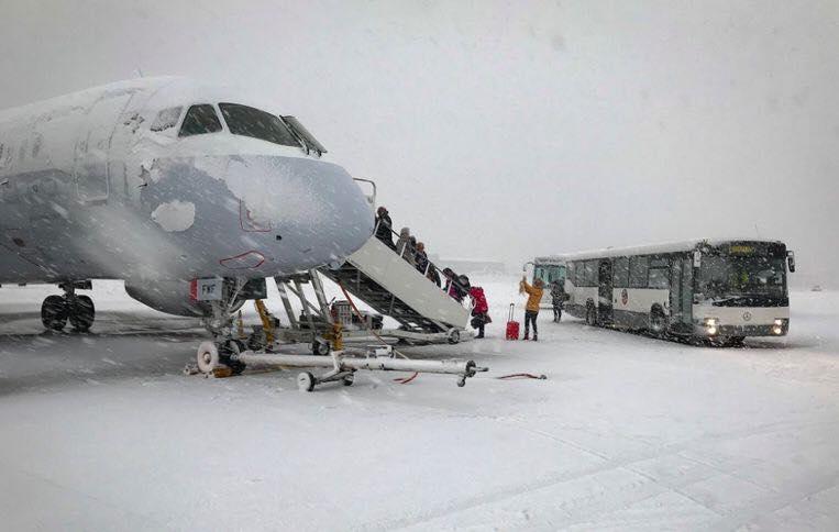 ბრიუსელის აეროპორტი დროებით დაიკეტა
