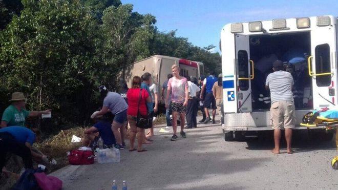 მექსიკაში ავტობუსი გადაბრუნდა - დაღუპულია, სულ მცირე 12 ადამიანი