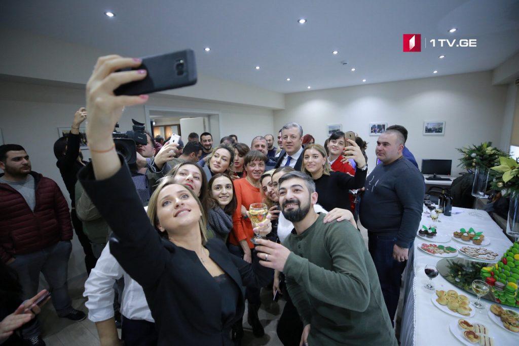 Георгий Квирикашвили лично поздравил журналистов с наступающим Новым Годом и Рождеством (фото)