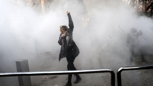 ირანში აქციაზე სულ მცირე ორი ადამიანი დაიღუპა