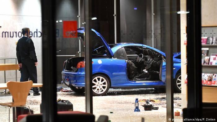 ბერლინში, სოციალ-დემოკრატიული პარტიის ოფისს მანქანა შეეჯახა