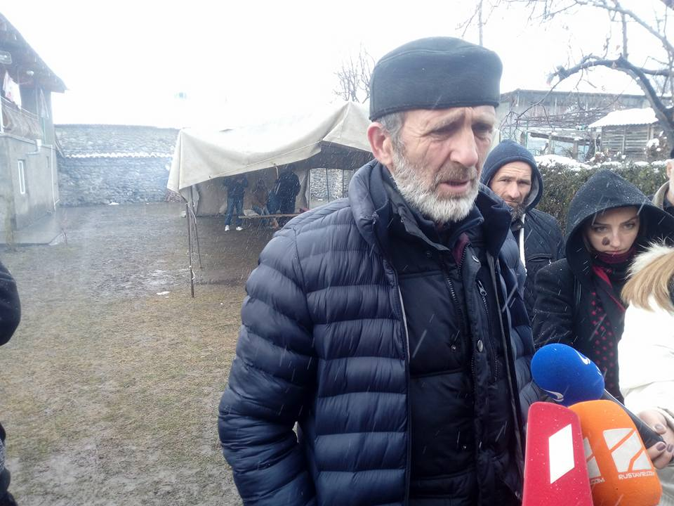 Отец Темирлана Мачаликашвили требует встречи с Вахтангом Гомелаури