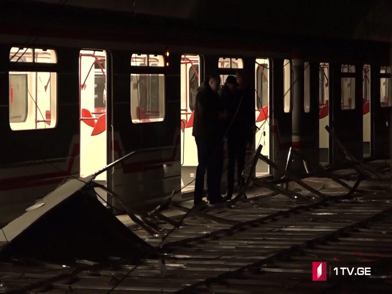 """ახალი ვიდეოკადრები მეტროსადგურ """"ვარკეთილიდან"""", სადაც ჭერის ჩამონგრევისას 14 ადამიანი დაშავდა"""