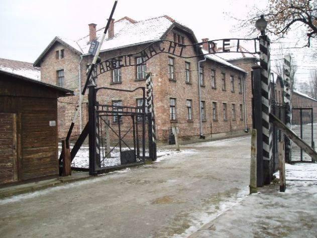 ჟან-კლოდ იუნკერი - ევროპას აქვს პასუხისმგებლობა, ხშირად შეახსენოს თაობებს ჰოლოკოსტის დროს გადარჩენილთა ისტორიები