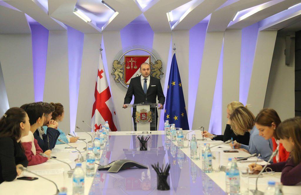 Мамука Бахтадзе призывает производителей, максимально активно включится в инициативу упрощенного возвращения излишков НДС