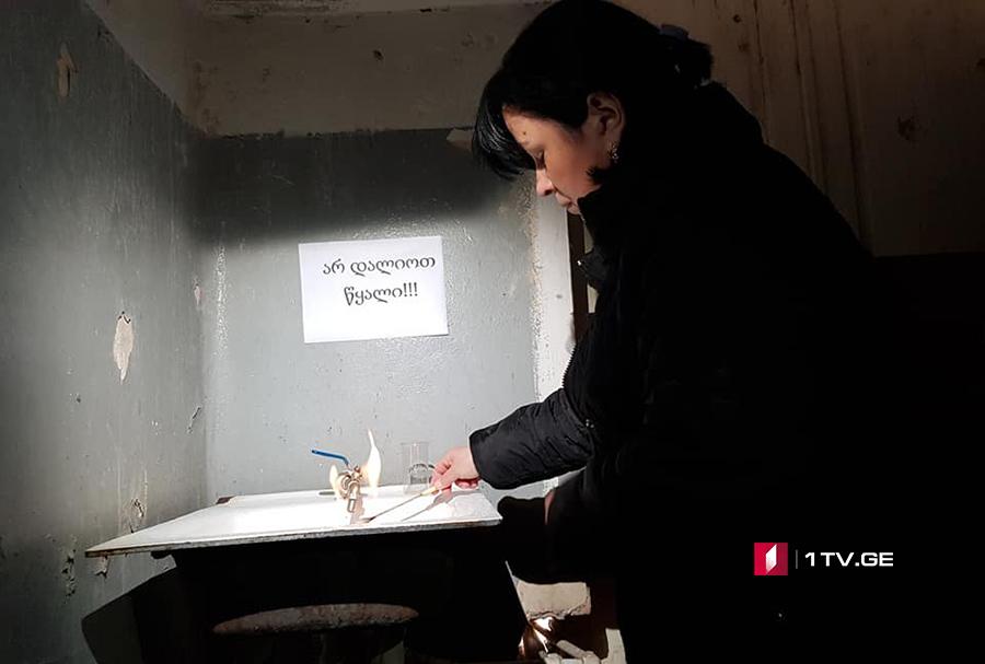 В руставской школе №16 проверяют качество воды