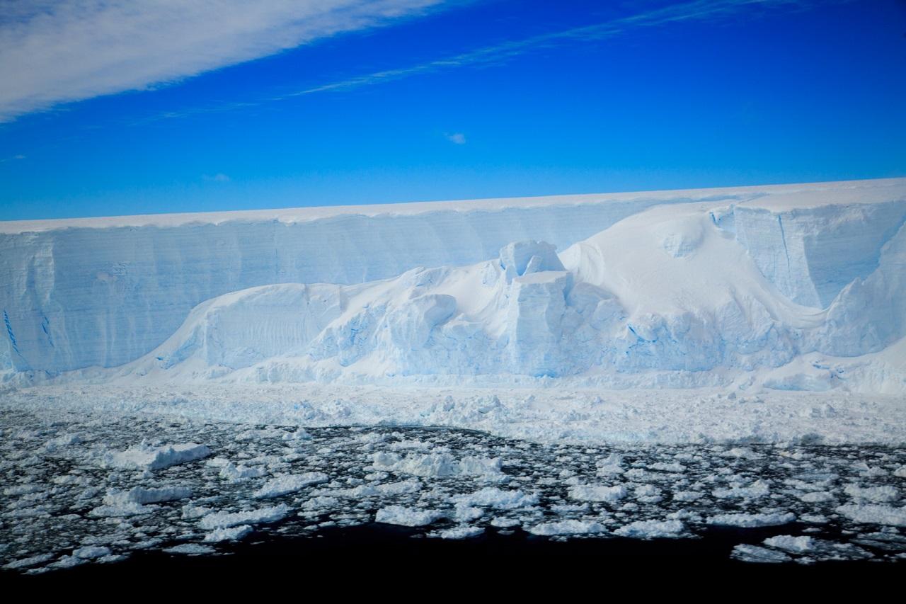 ანტარქტიდის ყინულებქვეშ ჩაჭედილი იდუმალი ეკოსისტემა, რომელსაც 120 000 წელია, სინათლე არ უნახავს - კვლევები იწყება