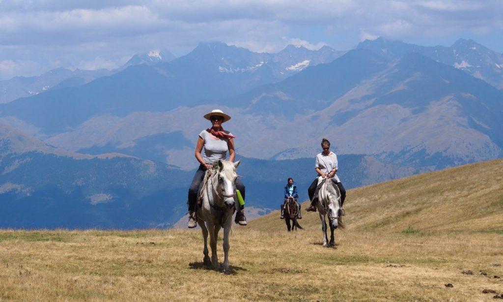 The Guardian – Тушети - это горный рай покрытый соснами, с глубокими ущельями и мистическими башнями