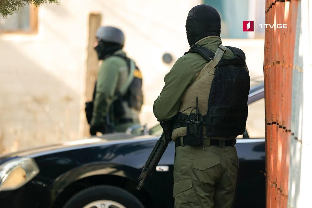 თბილისში, ნავთლუღის ქუჩაზე სპეცოპერაციისას ორი პირი დააკავეს