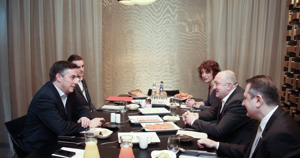 Президент Грузии встретился с председателем комитета по иностранным делам Европарламента