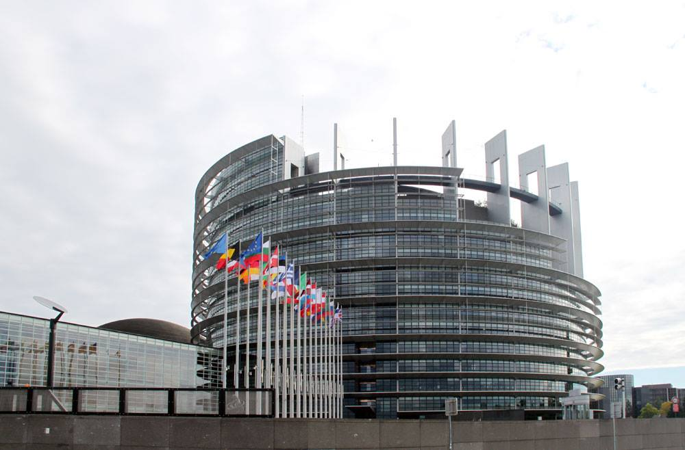 Европарламент не будет направлять наблюдателей на выборы в Россию и Азербайджан