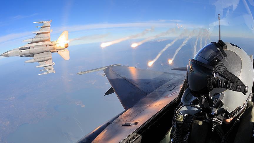 ВВС Турции нейтрализовали на севере Ирака 12 боевиков, готовивших атаку