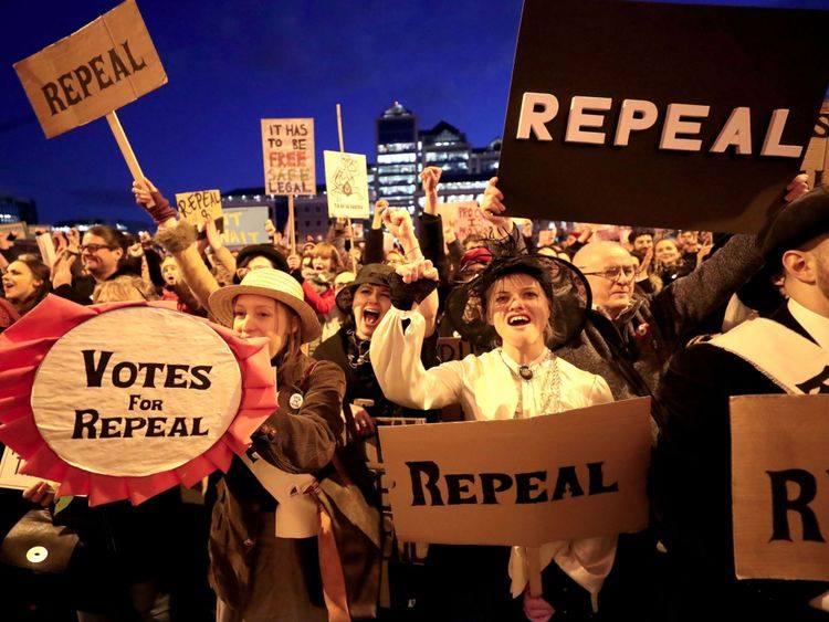აბორტის კანონის ლიბერალიზაციის მიზნით, 25 მაისს ირლანდიაში რეფერენდუმი ჩატარდება