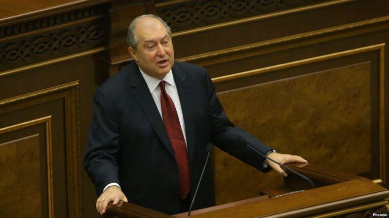 Հայաստանի նախագահը ստորագրել է կառավարության հրաժարականի մասին հրամանագիրը