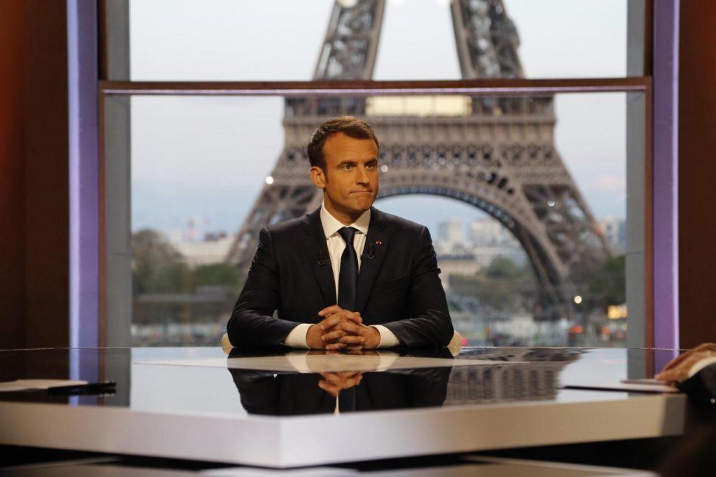 ემანუელ მაკრონი აცხადებს, რომ საფრანგეთში მედიკოსებისთვის კორონავირუსზე ვაქცინაცია სავალდებულო გახდება