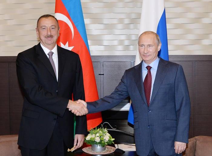 Путин поздравил Алиева с переизбранием на пост президента