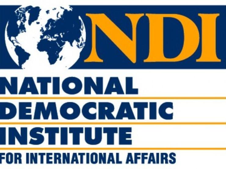 NDI - გამოკითხულთა 54% აცხადებს, რომ ინტერნეტს ყოველდღე იყენებს