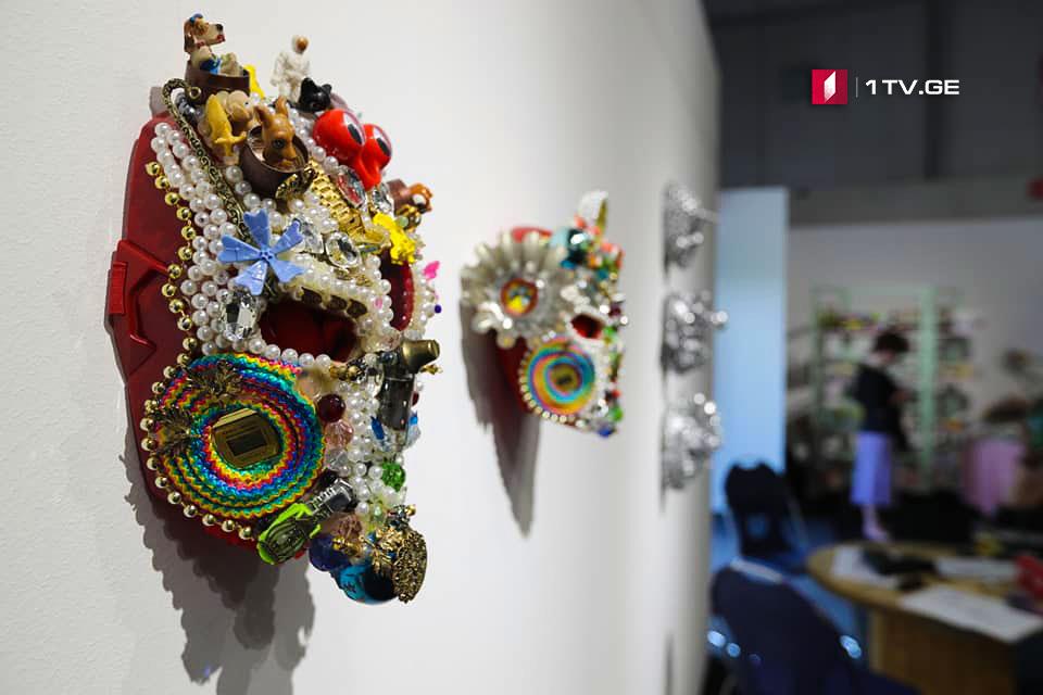 თბილისში თანამედროვე ხელოვნების პირველი საერათაშორისო ბაზრობა გაიხსნა [ფოტო]