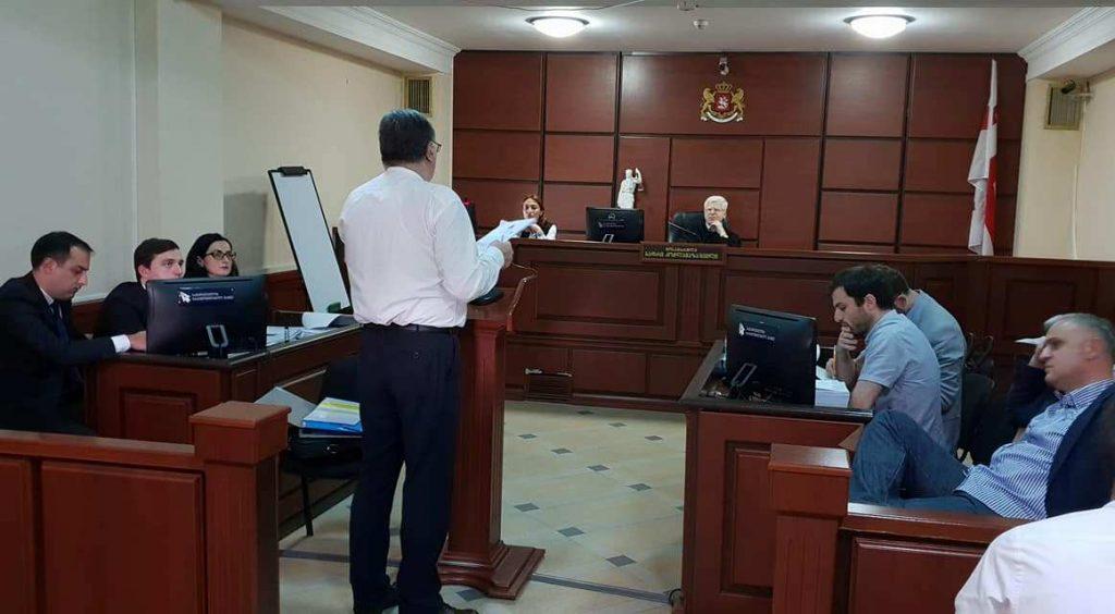 მოსამართლე ბადრი კოჭლამაზაშვილი -მიხეილ სააკაშვილსა და თეიმურაზ ჯანაშიას ადვოკატს ალბათ მისამართი აერია