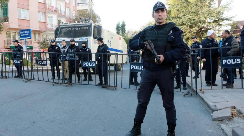 """Sitanbulda üzdəniraq """"İslam Dövlətinin"""" 54 üzvünü yaxaladılar"""