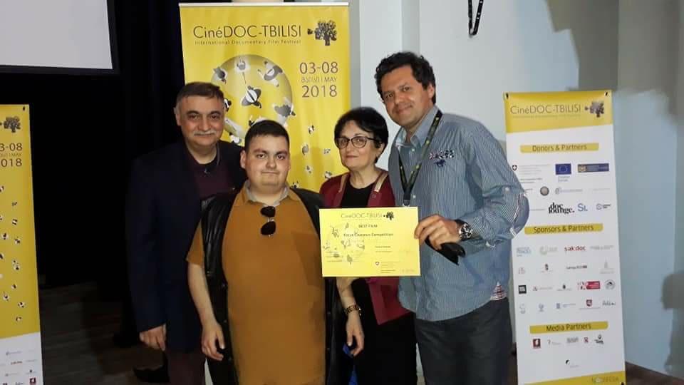 """პირველი არხის დოკუმენტური ფილმების სტუდიის მხარდაჭერით გადაღებული """"გამჭვირვალე სამყარო"""" CineDOC-Tbilisi-ს გამარჯვებულია"""