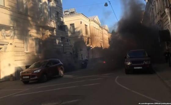 В Москве напали на посольство Латвии