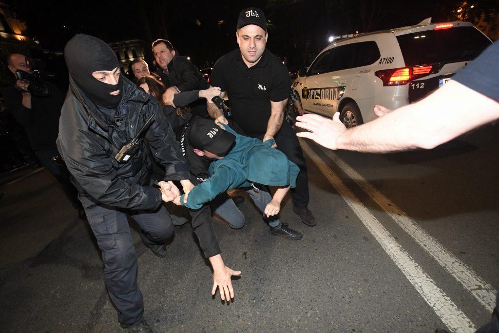Խորհրդարանի դիմաց անցկացվող ակցիային տեղի է ունեցել բախում, որի ժամանակ ձերբակալվել է մի քանի անձ