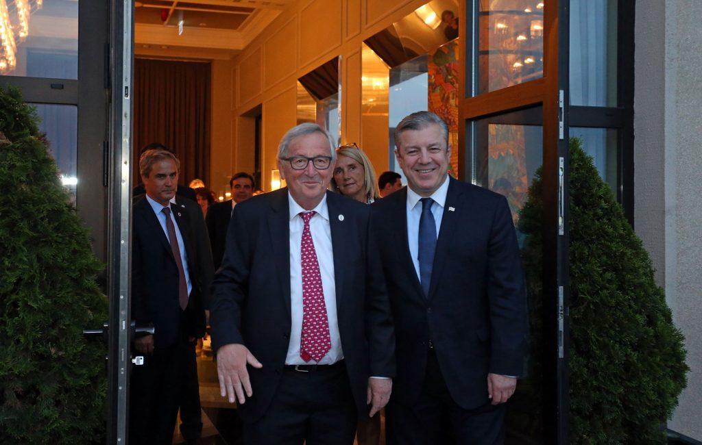 Премьер пригласил президента Еврокомиссии на официальный ужин