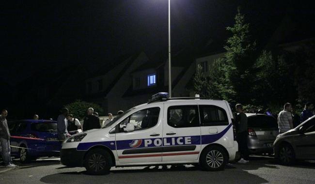 პარიზში პოლიციამ შეიარაღებულ მამაკაცს ცეცხლი გაუხსნა