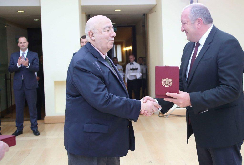 პრეზიდენტმა ირაკლი მენაღარიშვილი და თედო ჯაფარიძე ბრწყინვალების საპრეზიდენტო ორდენით დააჯილდოვა