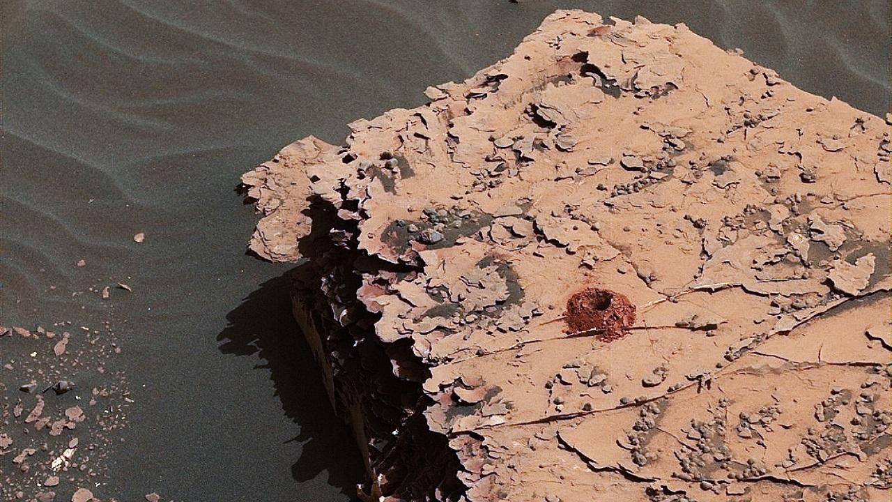მარსმავალმა Curiosity-მ წითელი პლანეტის კლდეების ბურღვა კვლავ განაახლა
