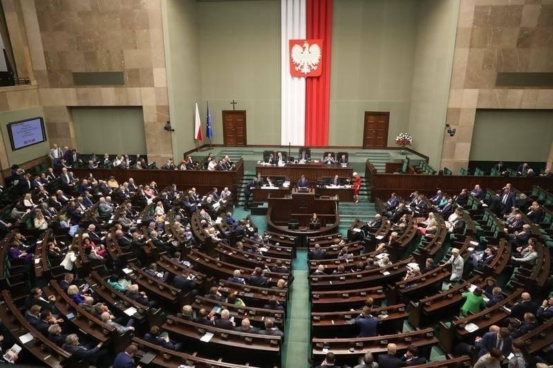 პოლონეთი ჰოლოკოსტის შესახებ კანონით გათვალისწინებულ სისხლის სამართლის პასუხისმგებლობას შეამსუბუქებს