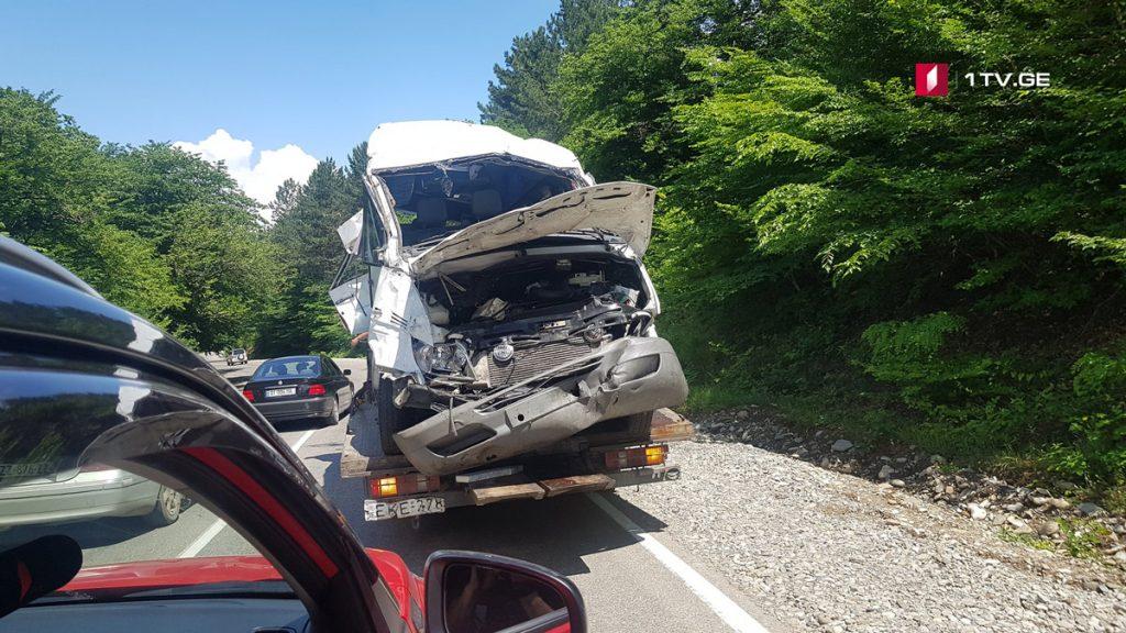 გომბორზე მომხდარი ავარიის საქმეზე შსს-მ მიკროავტობუსის მძღოლი დააკავა