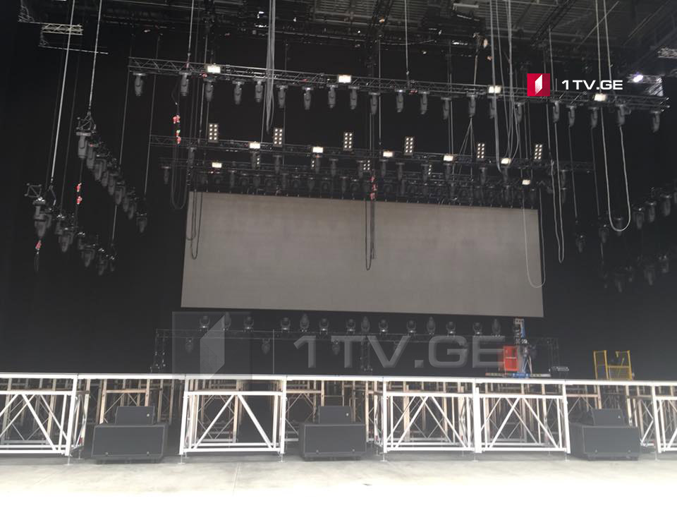 Preparation for Elton John's concert at Black Sea Arena comes to the end