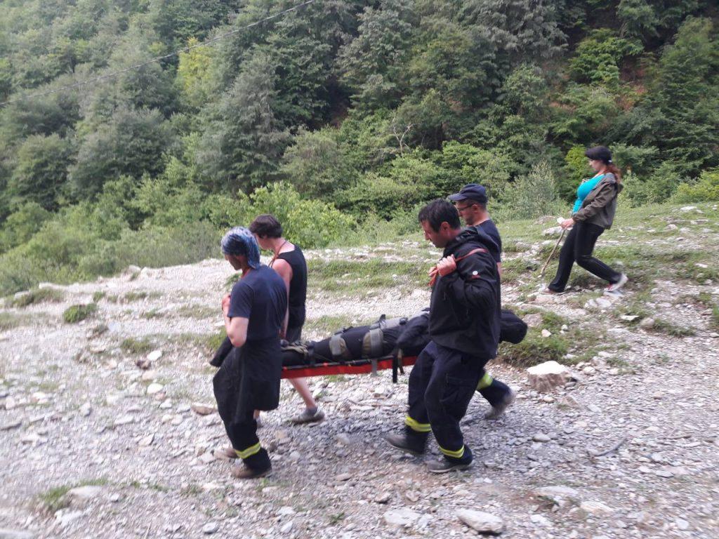 მაშველებმა ლომისის სალოცავთან მთაში ჩარჩენილი 20 წლის ტურისტი ჩამოიყვანეს
