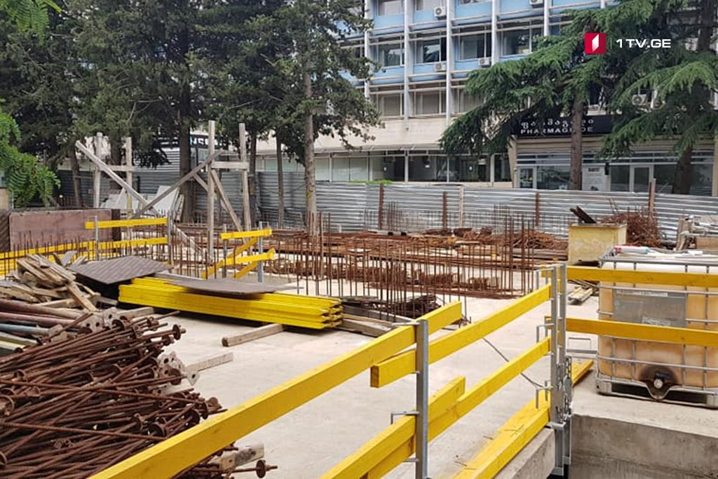 Locals of #33 Chavchavadze Avenue protest over construction works