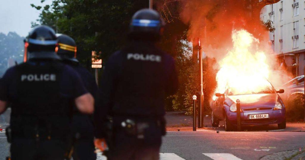 საფრანგეთში, ქალაქ ნანტში პოლიციასა და დემონსტრანტებს შორის შეტაკებები მესამე დღეა გრძელდება
