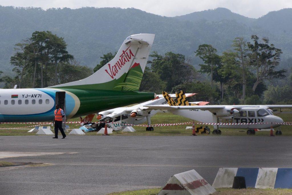 ვანუატუს აეროპორტში თვითმფრინავის ავარიული დაშვების დროს ავარია მოხდა