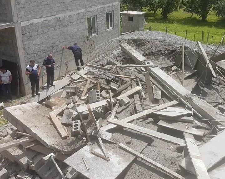 В Хелвачаури обрушился строящийся дом