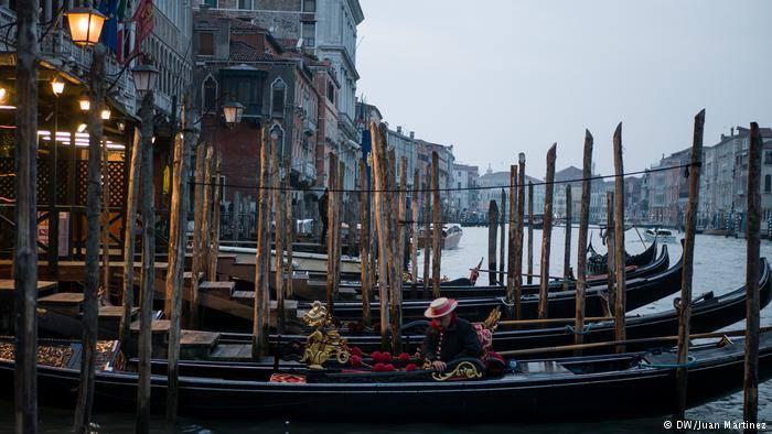В Венеции участились инциденты из-за большого количества катеров в лагуне
