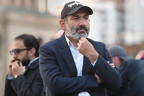 Nikol Paşinyan Rusiyaya müraciət edir ki, artıq Ermənistanda mövcud olan siyasi vəziyyəti qəbul etsin